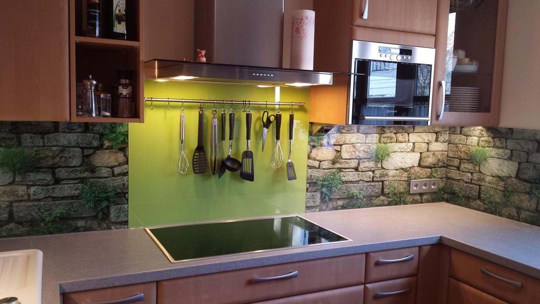 glas statt fliese k chenr ckw nde glaserei in baden und. Black Bedroom Furniture Sets. Home Design Ideas